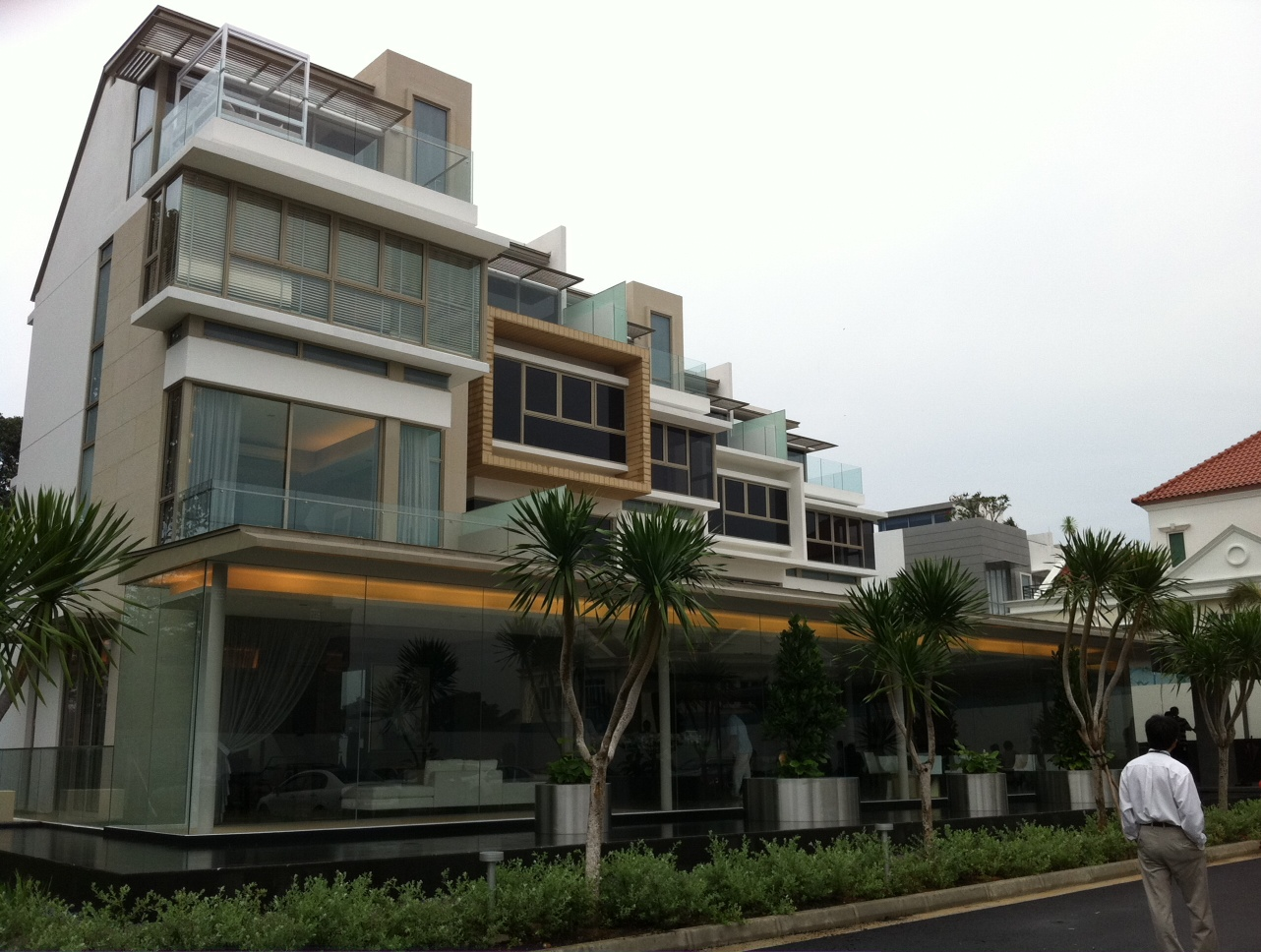 Index of wp content uploads 2011 09 for Terrace house singapore